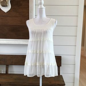 Cream sheer xhilaration top with lace details